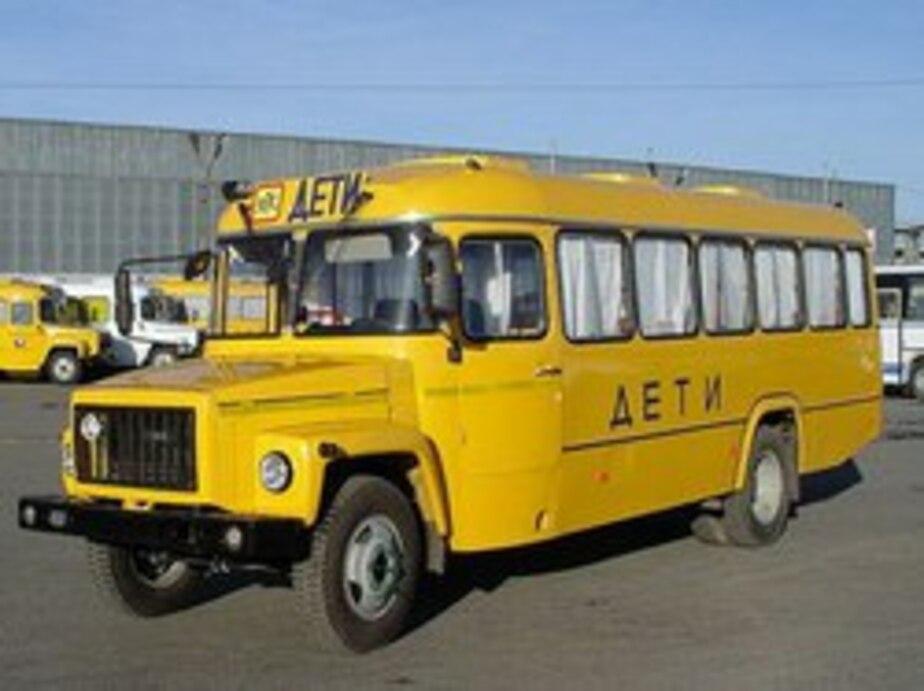 ГИБДД просит автомобилистов пропускать школьные автобусы