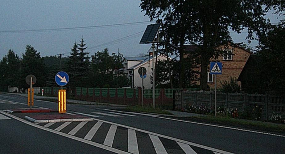 В Калининграде на островках безопасности установят светодиодные знаки - Новости Калининграда