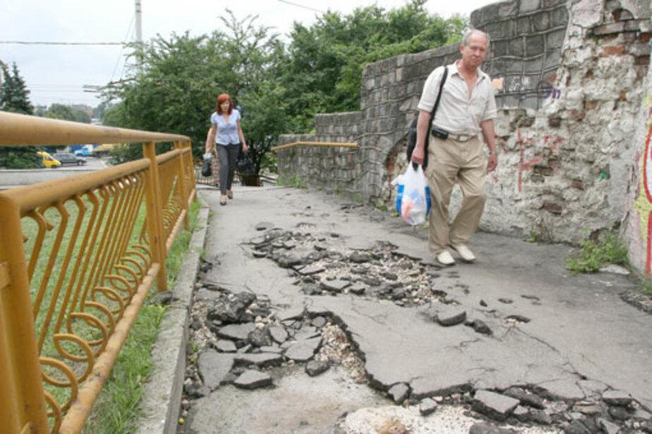 Лестница на Коперника опасна для жизни пешеходов - Новости Калининграда