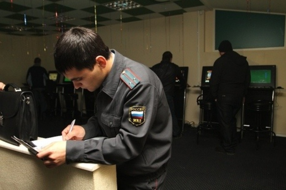 В Калининграде вооруженный мужчина ограбил игровое кафе после проигрыша - Новости Калининграда