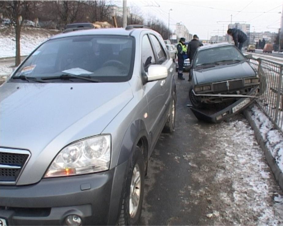 Автомобиль главы Багратионовского района спровоцировал аварию на Моспроспекте - Новости Калининграда