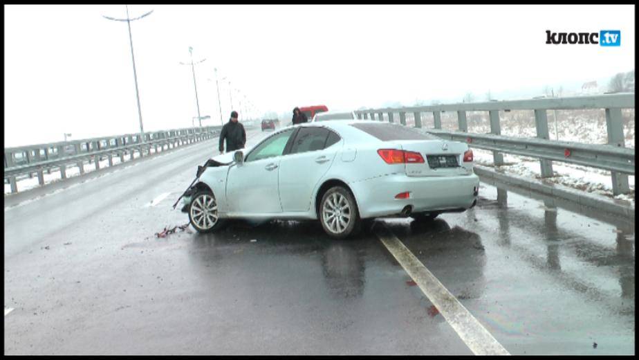 "На Приморском кольце ""Лексус IS 250"" едва не вылетел под мост - Новости Калининграда"