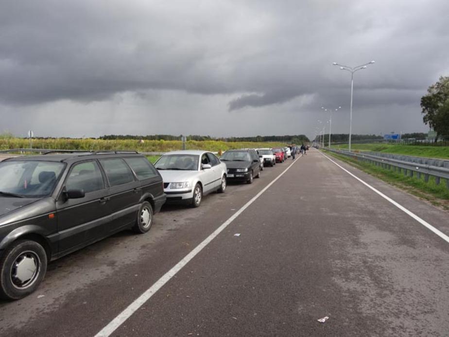 Цуканов об очередях на границах- Пограничники не могут пропускать больше машин из-за устаревших регламентов - Новости Калининграда