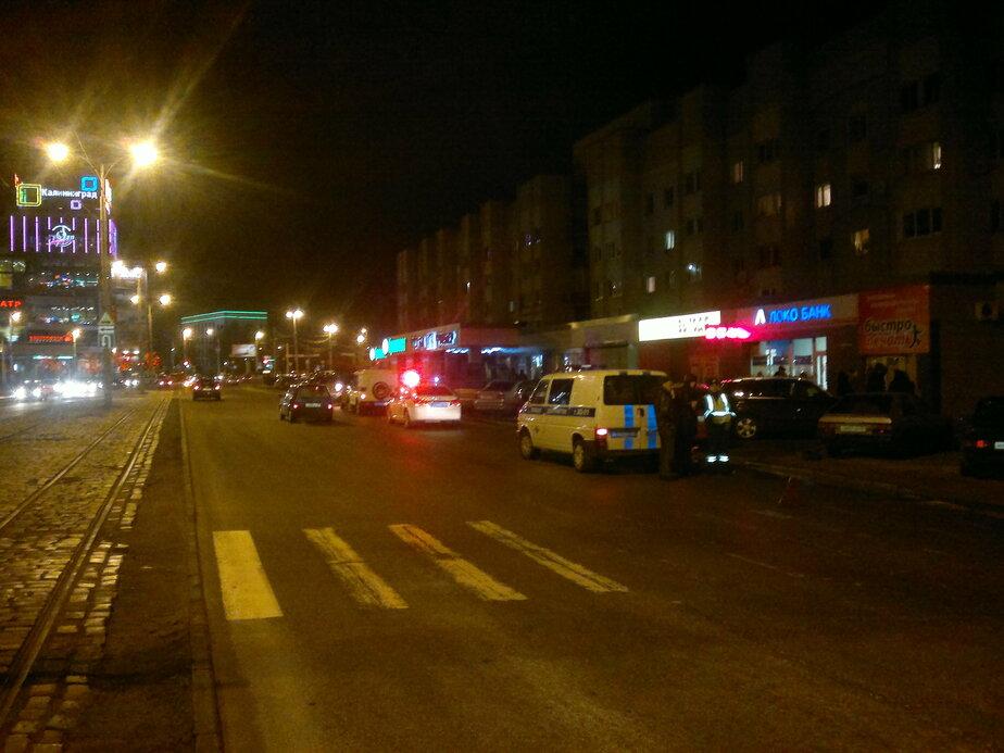 В Калининграде на ул- Пролетарской пешеход не успел убежать от автомобиля - Новости Калининграда