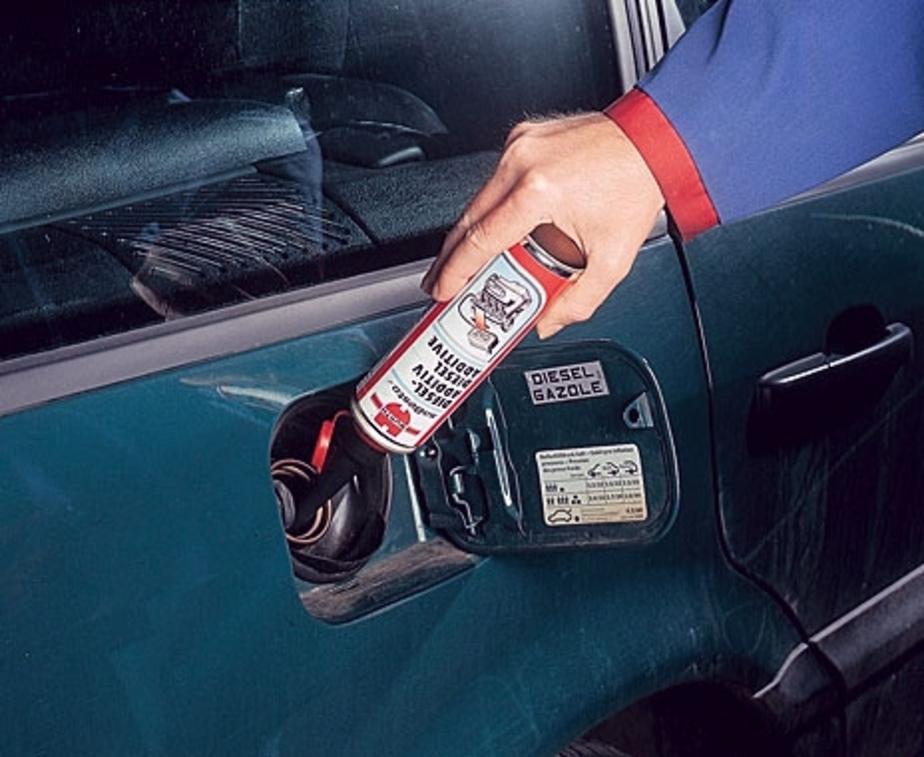 Российский ученый разработал наноприсадку для экономии бензина