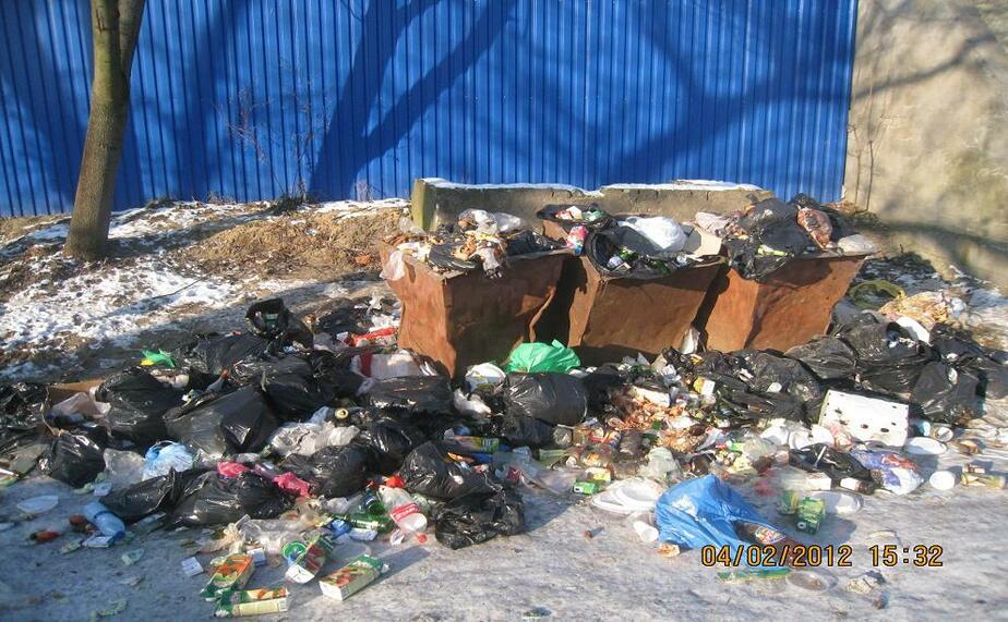 Областная АТИ нашла в Славске незаконную свалку с бомжами - Новости Калининграда