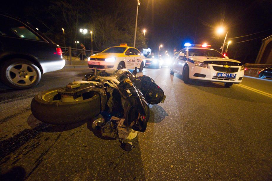 УМВД: хозяйка БМВ, подрезавшего погибшего байкера, ранее привлекалась за мошенничество  - Новости Калининграда