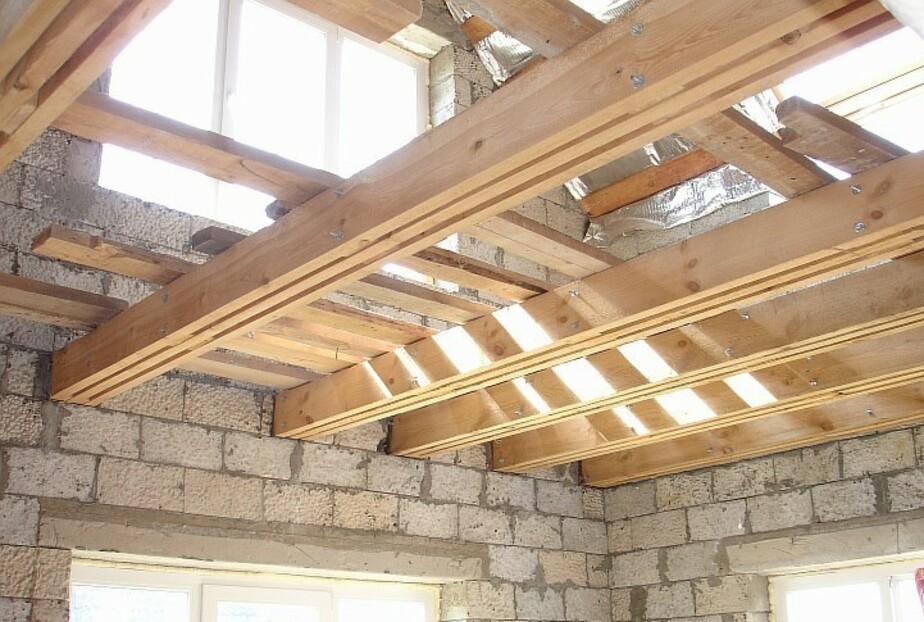 перекрытие первого этажа по деревянным балкам
