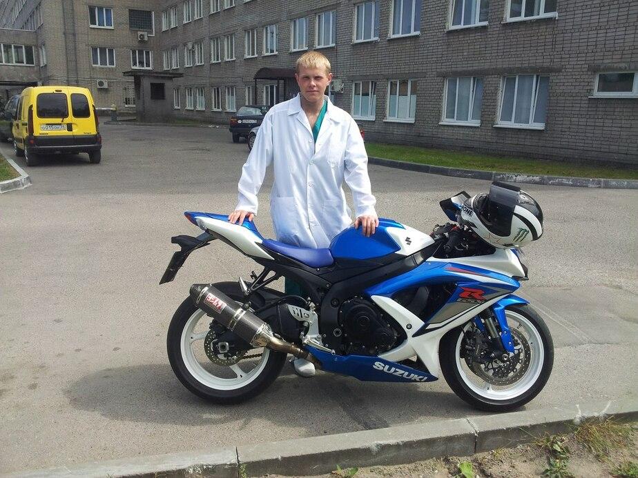 Калининградские байкеры собирают деньги на похороны погибшего в аварии с БМВ Романа Заикина  - Новости Калининграда