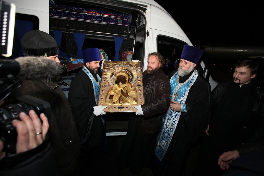 В Калининград привезли чудотворную икону, помогающую бесплодным - Новости Калининграда