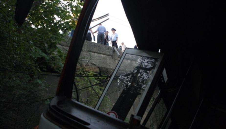 Автопредприятие, чей автобус упал с обрыва на ул. Киевской, оштрафовали на 40 тысяч - Новости Калининграда