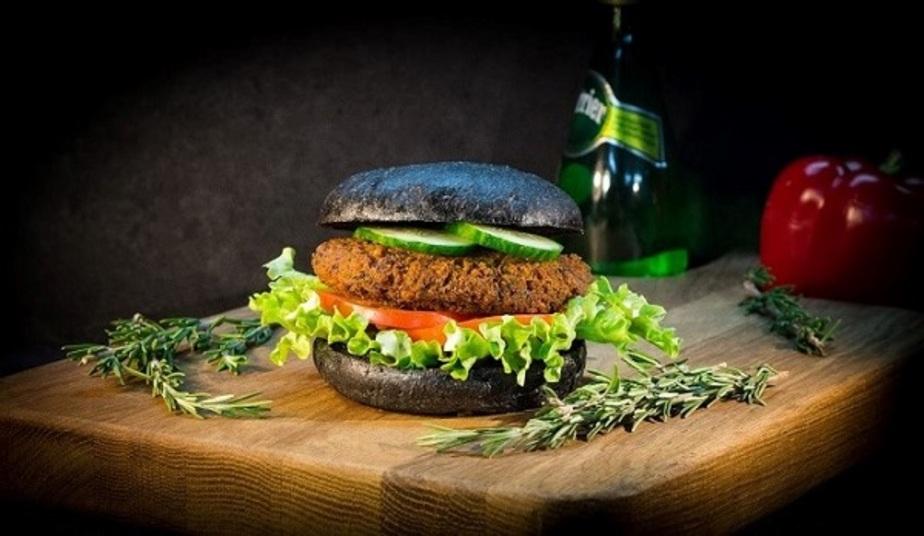Ни грамма мяса: в Калининграде появились необычные авторские бургеры - Новости Калининграда