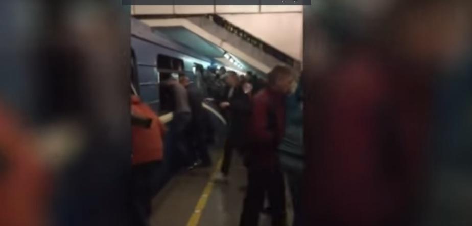 """СМИ: на станции метро """"Площадь Восстания"""" нашли несработавшее взрывное устройство - Новости Калининграда"""