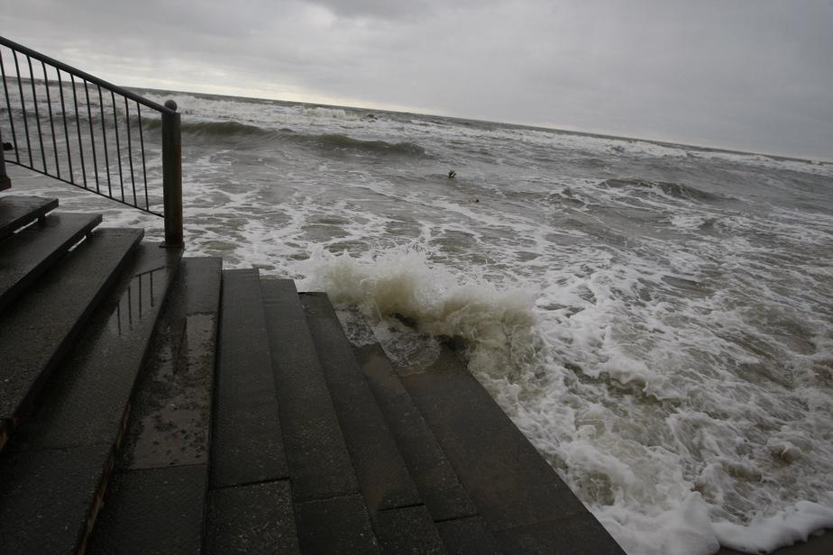 Польские синоптики прогнозируют на побережье Балтики бури, грозы и смерчи  - Новости Калининграда