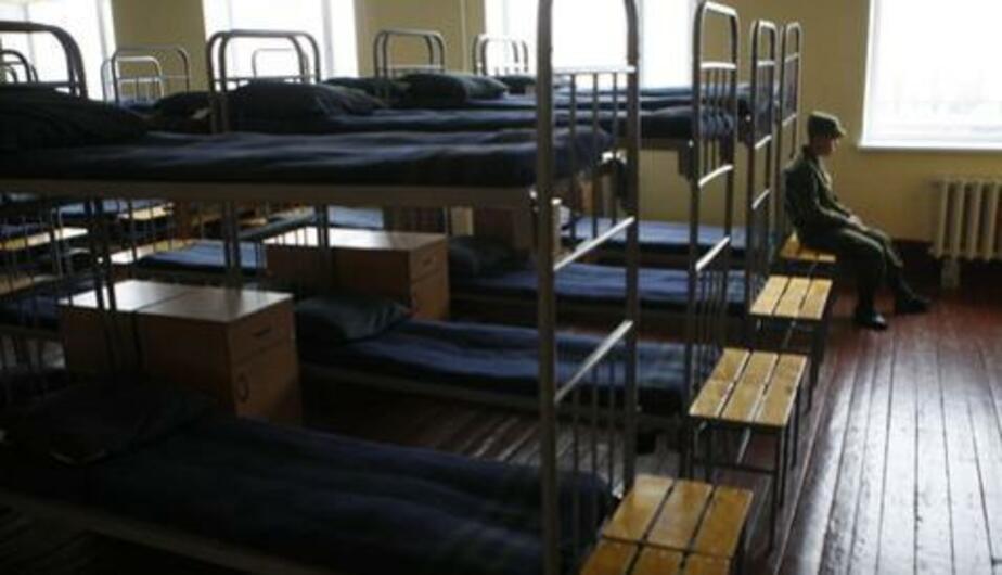 В Калининграде срочник разбился насмерть, выпав из окна казармы - Новости Калининграда