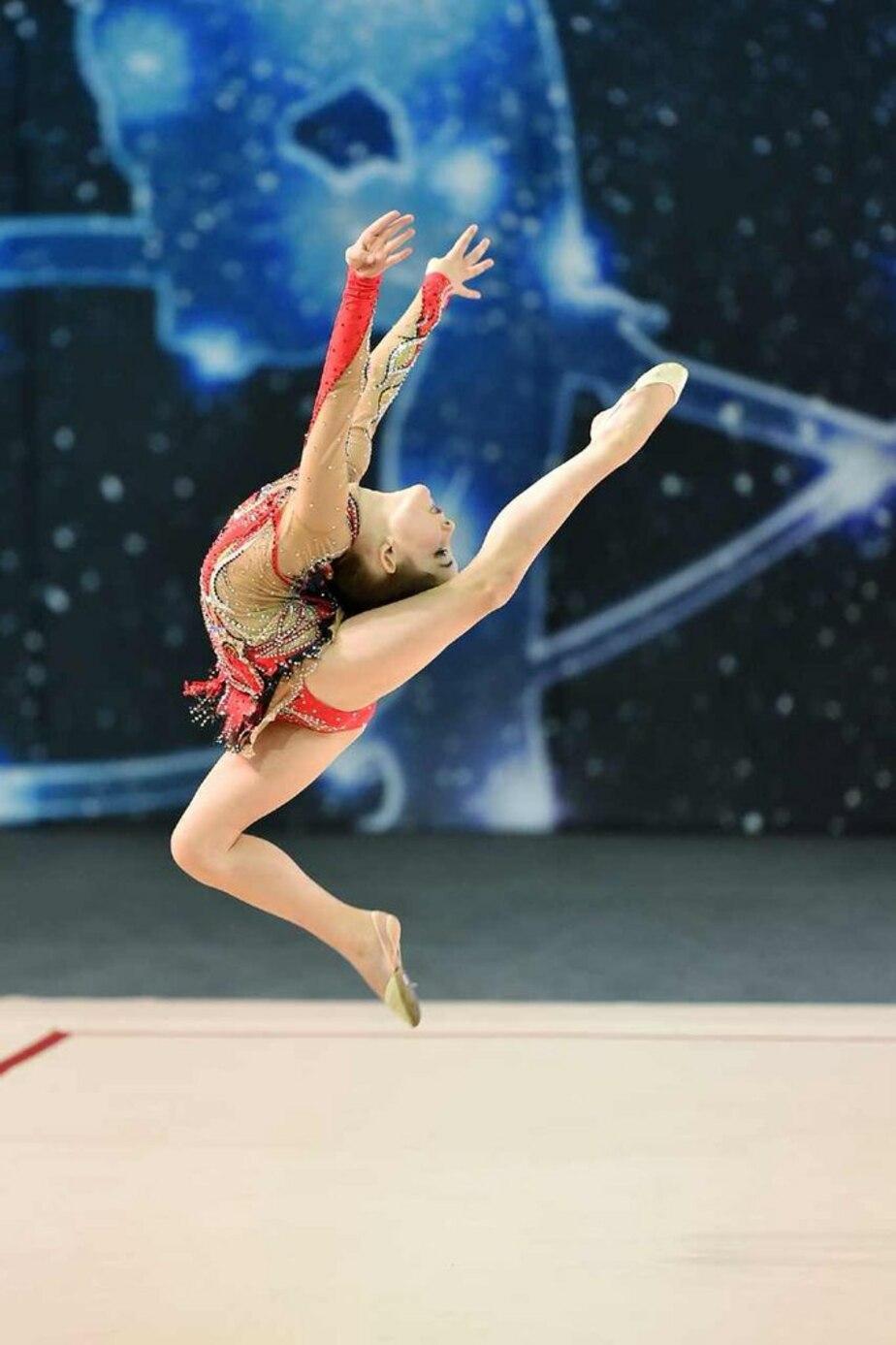 """Голосуем за Дашу: 7-летняя гимнастка из Калининграда борется за победу в конкурсе на канале """"Россия 1"""""""