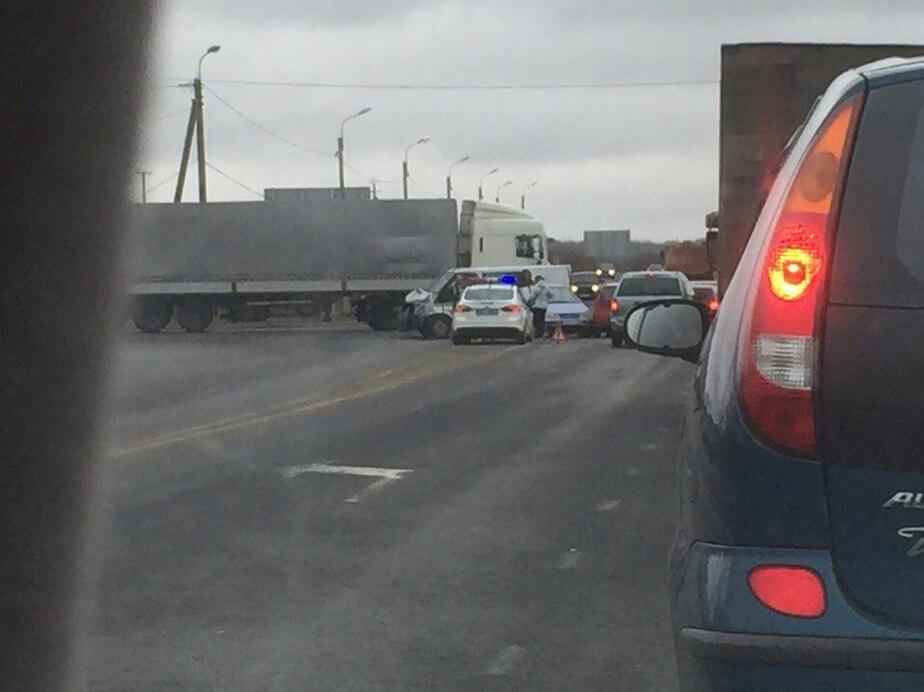 В субботу на перекрёстке Дзержинского и Большой Окружной не работает светофор (дополнено) - Новости Калининграда