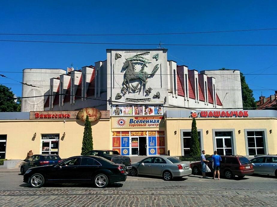 """На месте ночного клуба """"Ольштын"""" открылся торговый центр и шашлычная - Новости Калининграда"""