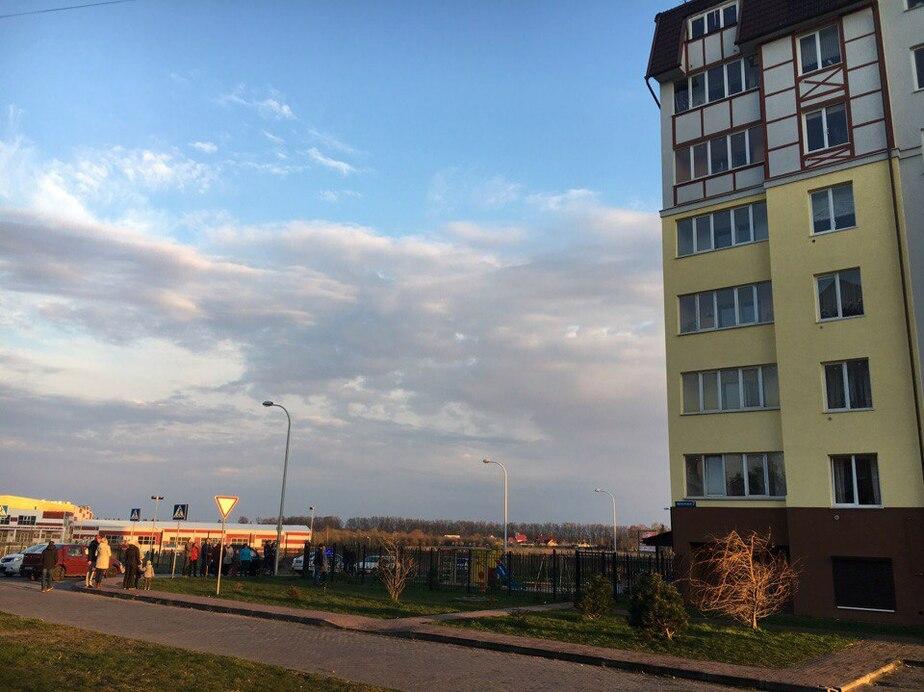 В Светлогорске с седьмого этажа упали двухлетние близнецы - Новости Калининграда