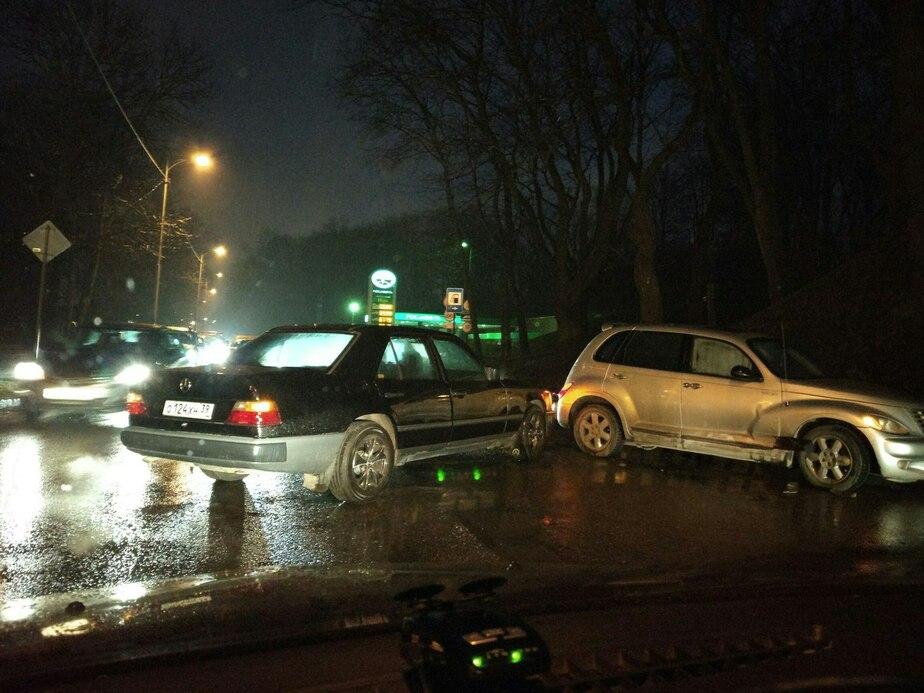 На ул. Литовский Вал из-за аварии образовалась пробка - Новости Калининграда