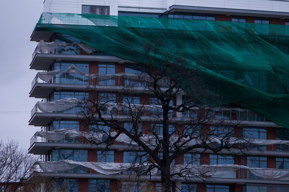 Из-за штормового ветра дома 1000 калининградцев остались без света
