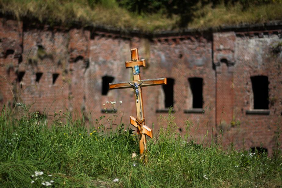 В Калининграде около братского захоронения советских воинов нашли свежие могилы - Новости Калининграда