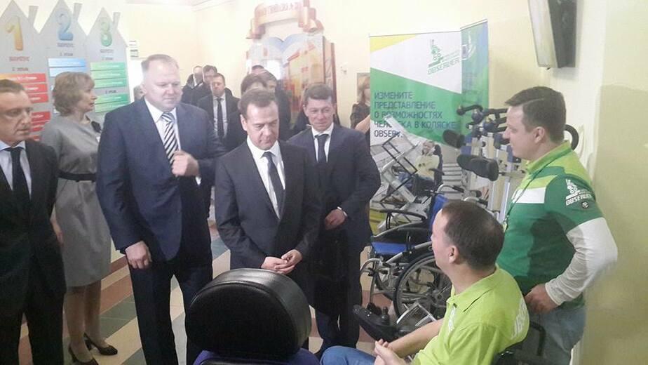 Медведев пообещал господдержку калининградской фабрике по производству инвалидных колясок - Новости Калининграда