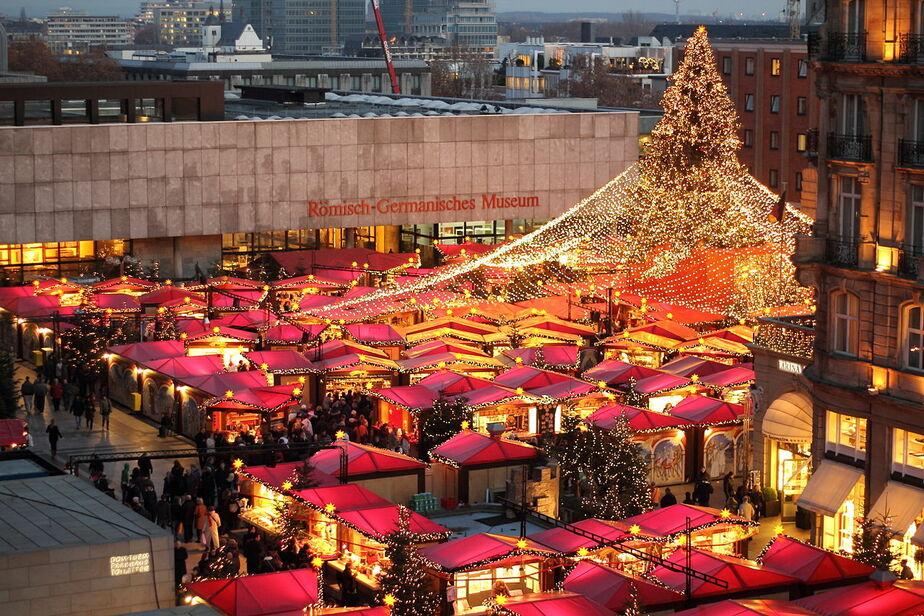 В Берлине грузовик врезался в толпу на рождественской ярмарке (видео) - Новости Калининграда