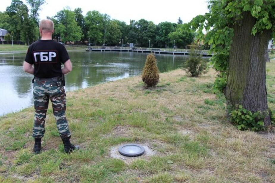 Кропоткин: За выброшенные вандалами в озеро Поплавок скамейки город заплатил 100 тысяч - Новости Калининграда