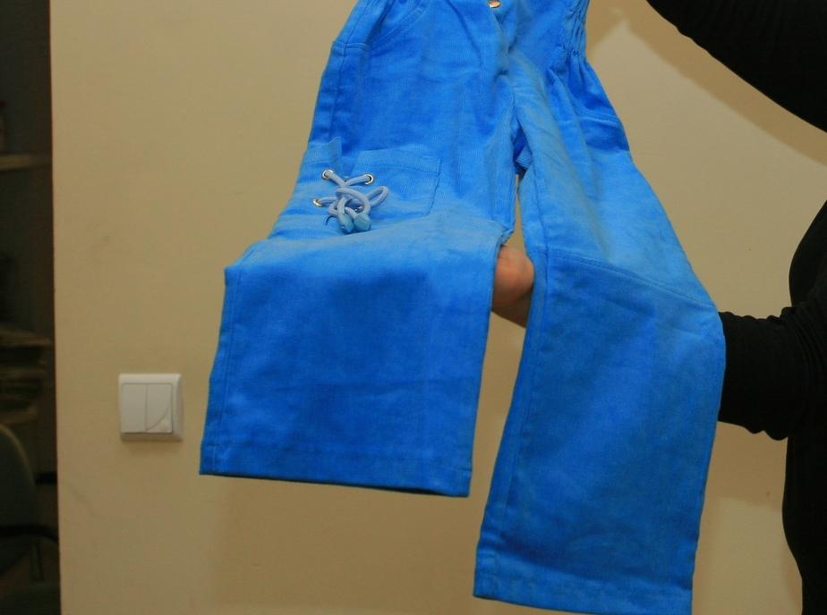 В России резко сократилось производство штанов, пальто и сумок - Новости Калининграда