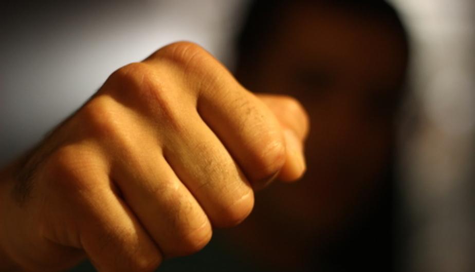 15-летний калининградец сломал нос сверстнику, который приударил за его девушкой