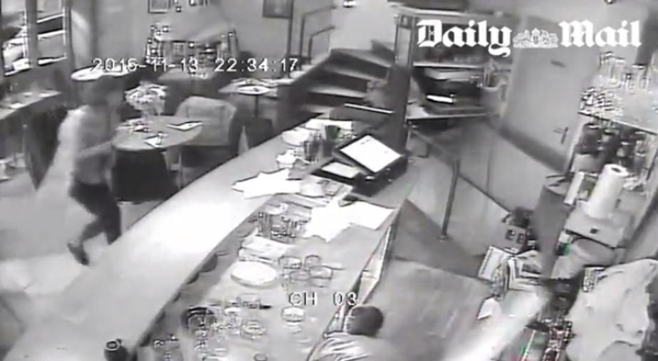 В сети появилось видео расстрела посетителей ресторана в Париже (18+) - Новости Калининграда