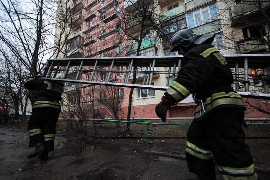 На Киевской в строящемся павильоне сгорела мебель - Новости Калининграда