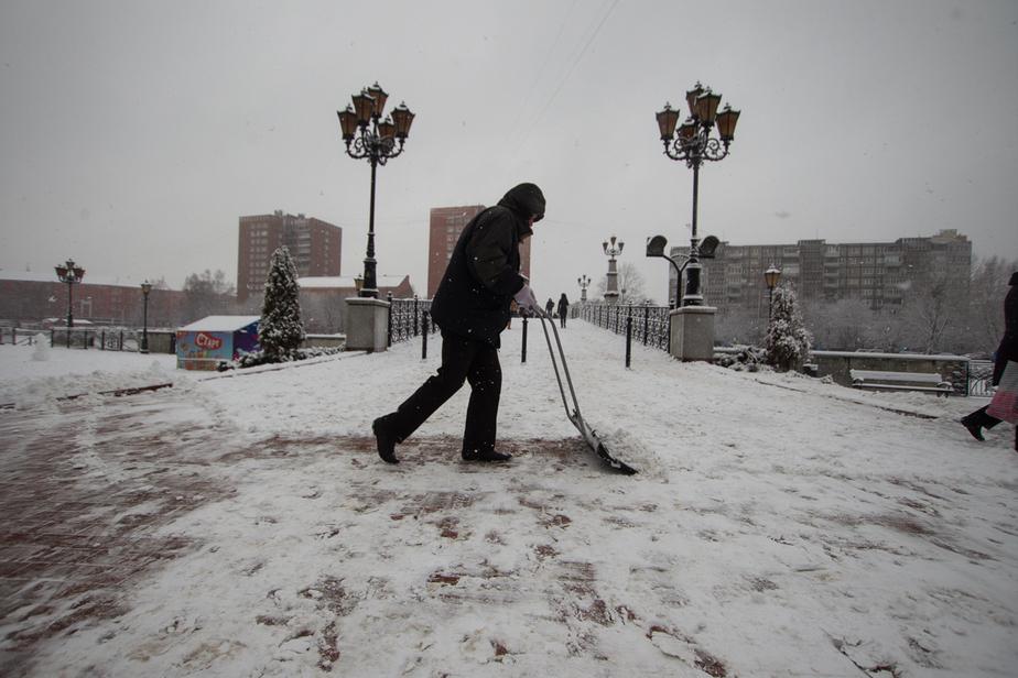 """В Калининграде хотят """"чипировать"""" дворников"""