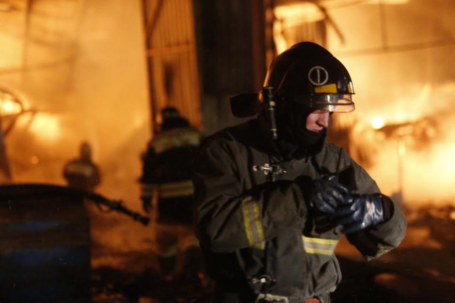 """В одном из калининградских гаражей ночью сгорел """"Форд"""""""