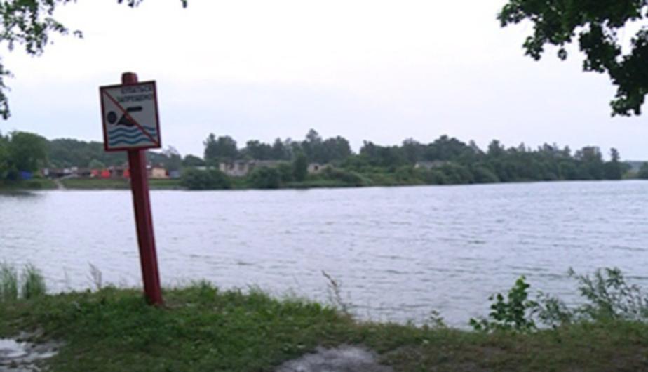На озере Шенфлиз чуть не утонула калининградка - Новости Калининграда
