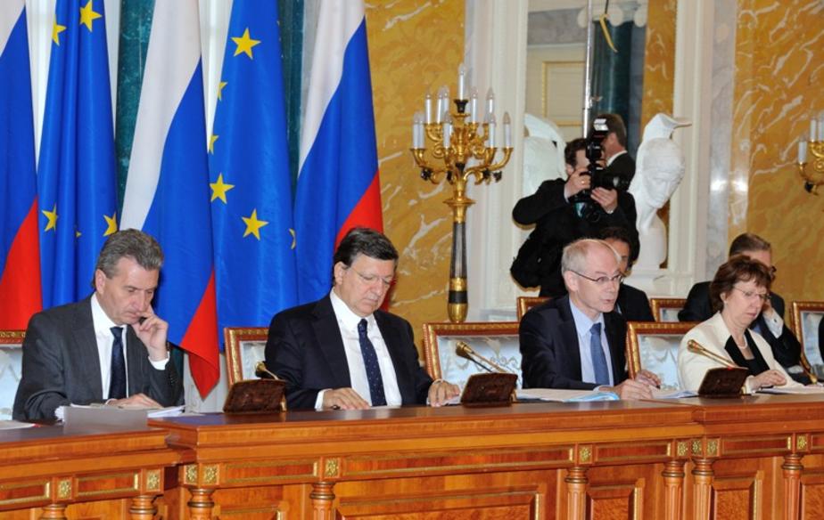 СМИ: Евросоюз отложил вопрос о продлении санкций против России