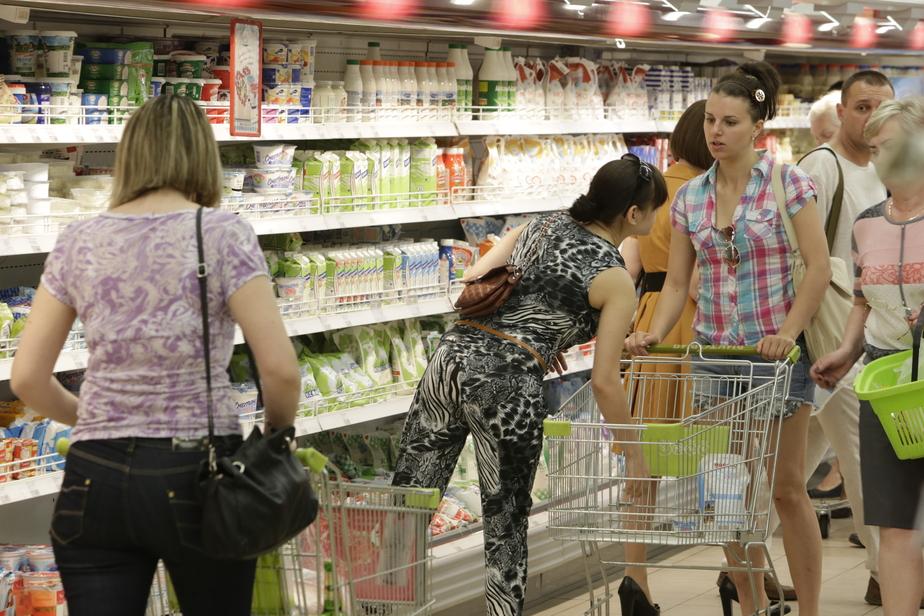 Опрос: две трети россиян начали экономить на продуктах  - Новости Калининграда