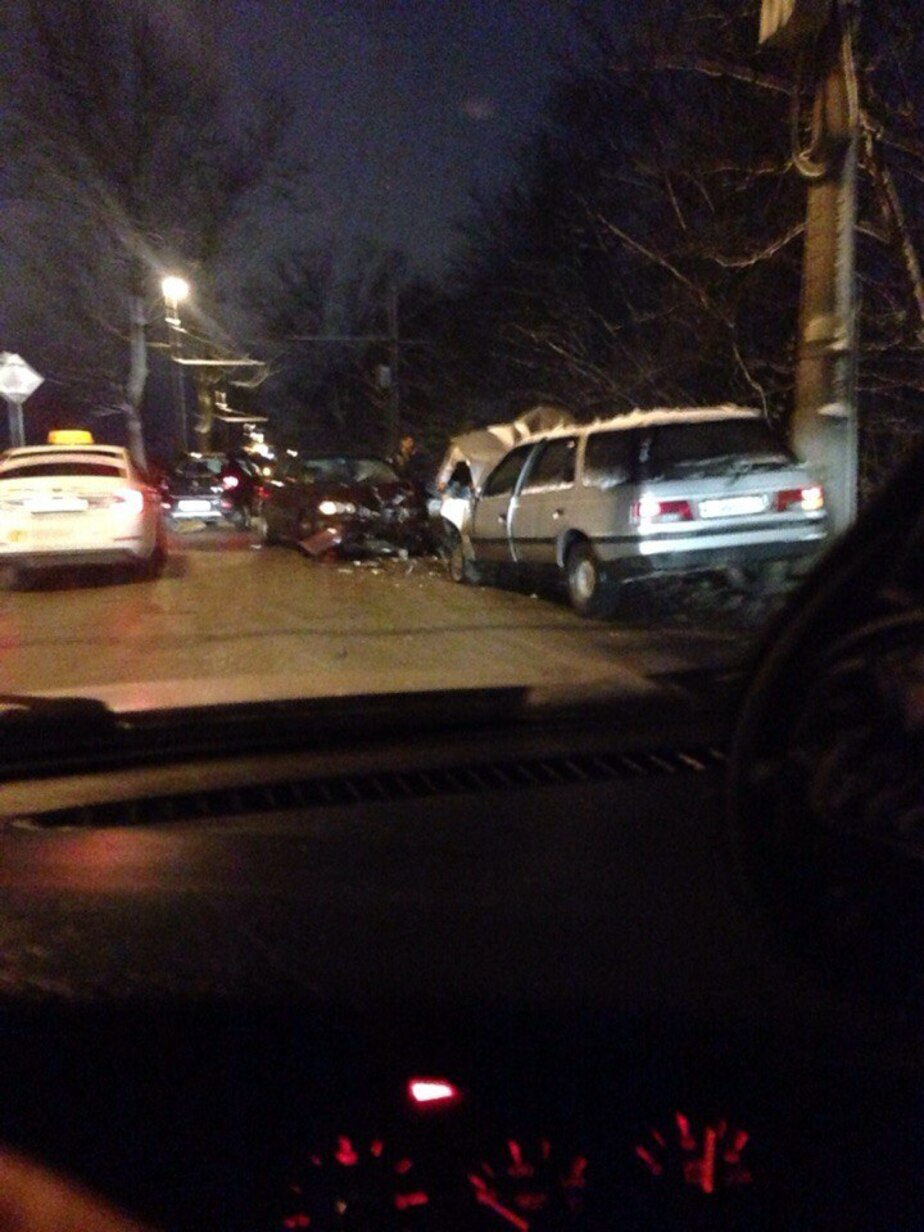 На выезде из Калининграда в сторону Малого Борисово пробки из-за аварии (фото, дополнено)