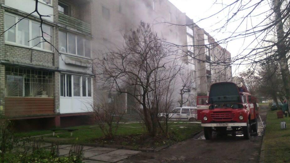 В Черняховске из-за пожара эвакуировали жильцов дома - Новости Калининграда
