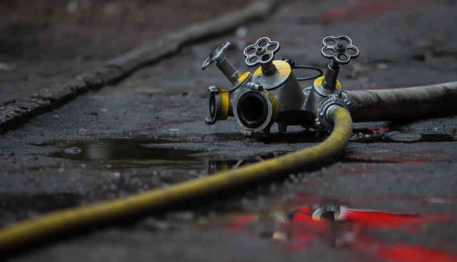 В Сокольниках пять пожарных тушили трансформаторную подстанцию