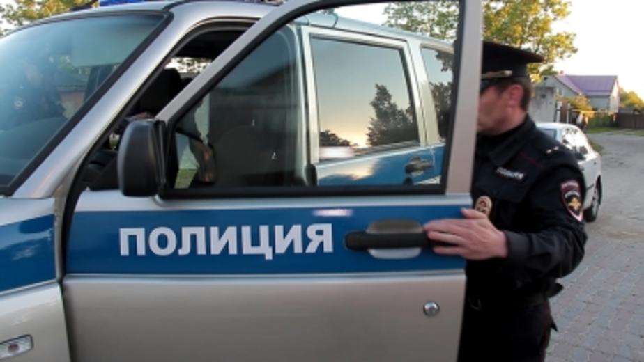 Калининградец разбил стекло в машине свидетеля, который видел, как он резал колеса  - Новости Калининграда