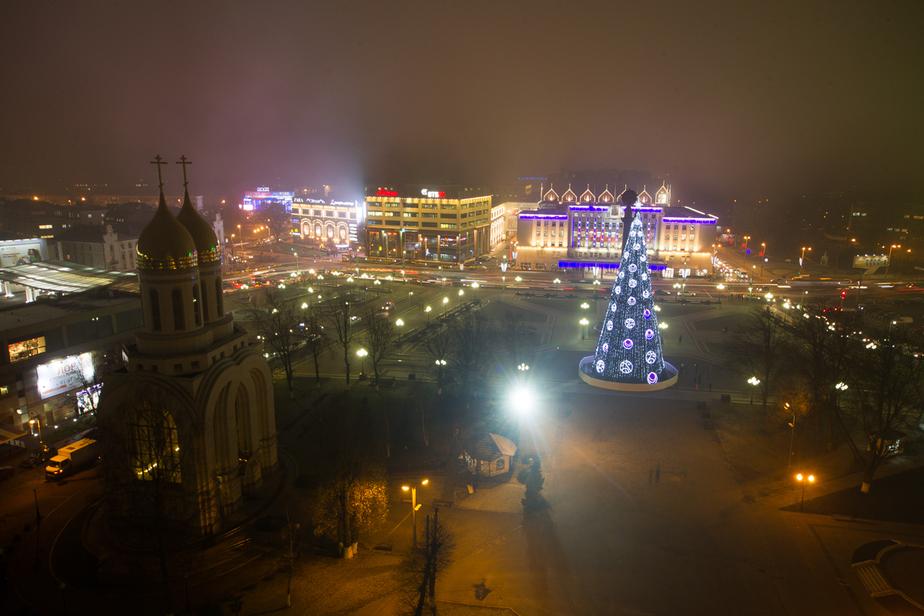 Новогоднюю ёлку в Калининграде начнут разбирать позже, чем обычно - Новости Калининграда