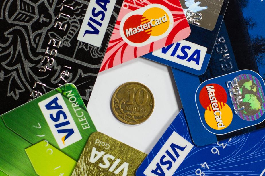 Большинство россиян предпочитают не пользоваться банковскими карточками при совершении покупок - Новости Калининграда
