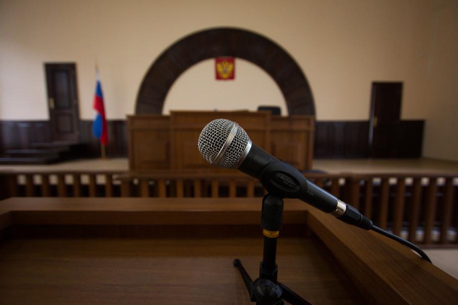Экс-полицейский из Калининграда получил 6 лет за попытку угнать иномарку и дать взятку - Новости Калининграда
