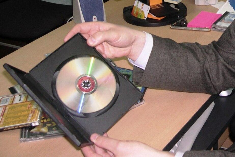 Директор интим-салонов в Калининграде распространял порнографические DVD-диски - Новости Калининграда