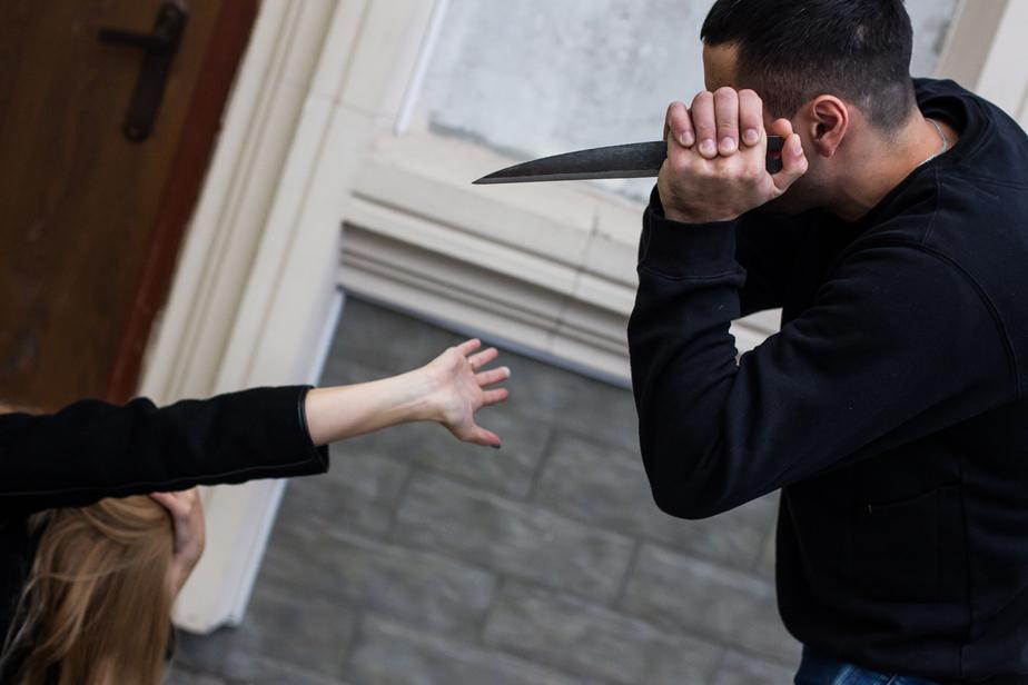 Жителю Гурьевского района, ударившему подругу ножом в живот, предъявили обвинение - Новости Калининграда