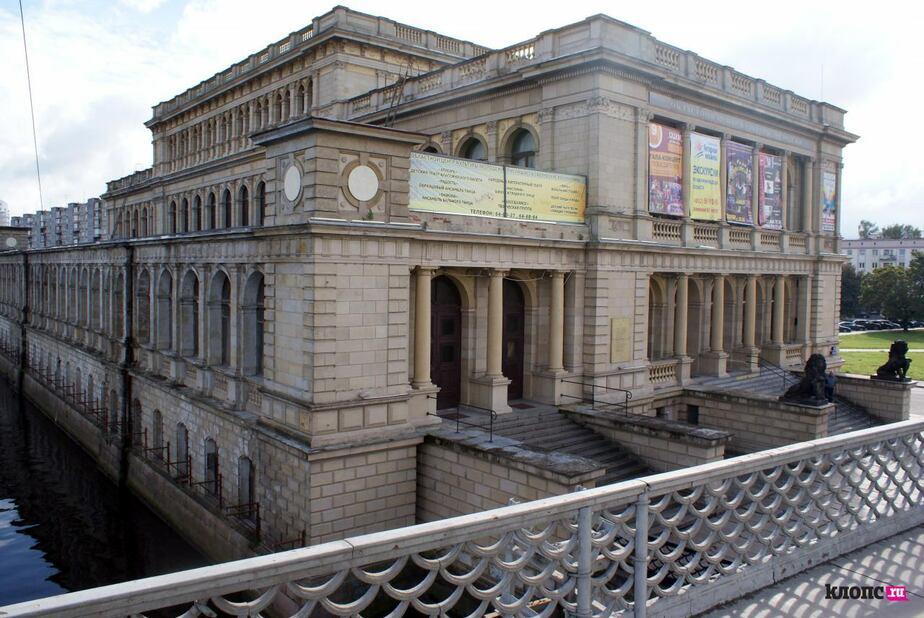 В правительстве рассказали о судьбе Литературного театра и кружков, расположенных в здании ДКМ - Новости Калининграда