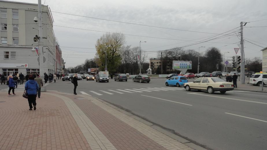 В центре Калининграда почти неделю неправильно работает светофор - Новости Калининграда