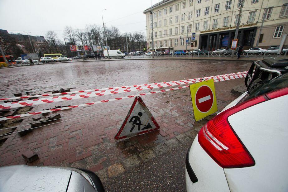 Чиновники за, народ против: что думают калининградцы о закрытии бесплатной парковки на площади Победы - Новости Калининграда